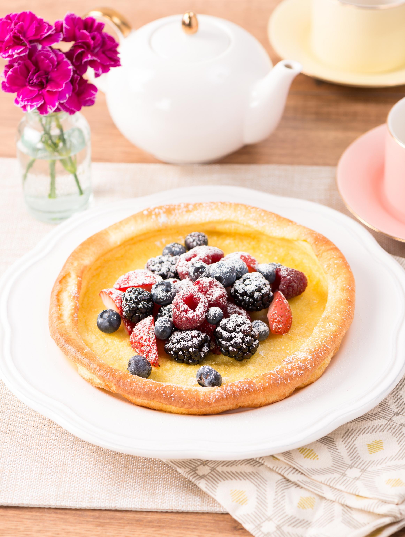Dutch Baby Pancakes & Fresh Berries Recipe | Get Cracking