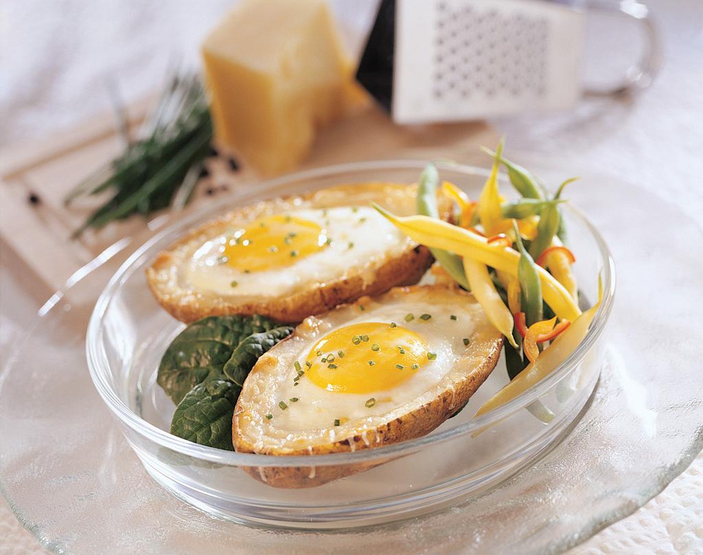 Eggs in a Spud