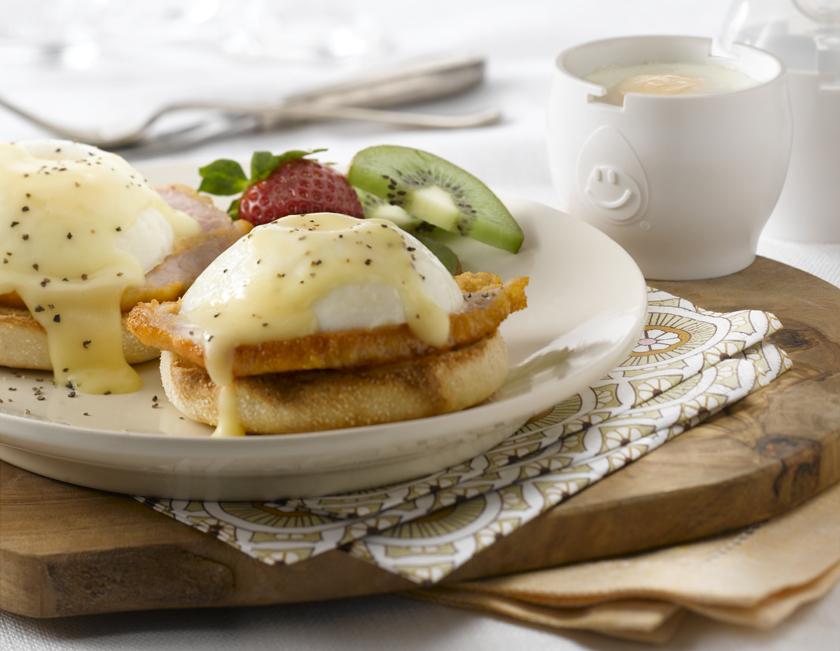Simple & Quick Eggs Benedict Recipe   Eggs.ca