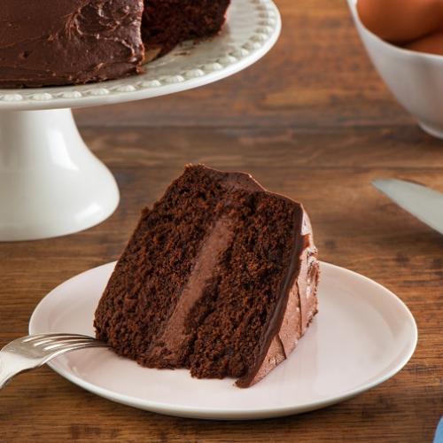 RecipesClassic Chocolate Layer Cake » Eggs.ca