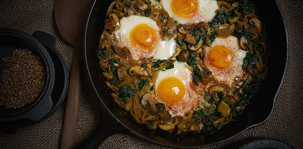Indian-Style Skillet Eggs with Mushrooms, Spinach and ...